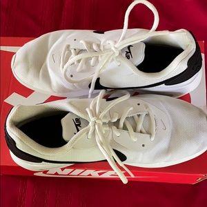 Nike air max's oketo white/back